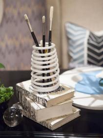 HSTAR801_Tiffany-Desk-Accessories-Beauty_v_lg