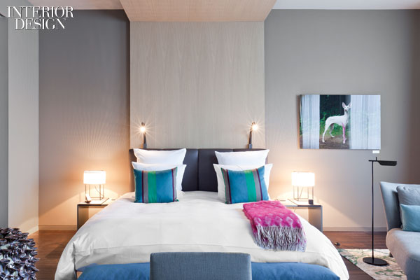 600x400x431295-A_guest_suite_s_built_in_headboard_is_cerused_oak_Photography_by_Patricia_Parinejad_.jpg.pagespeed.ic.6lNa5-xRkj